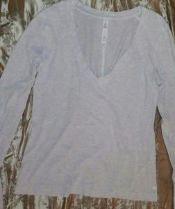 Lululemon v neck long sleeve shirt Heathered Light